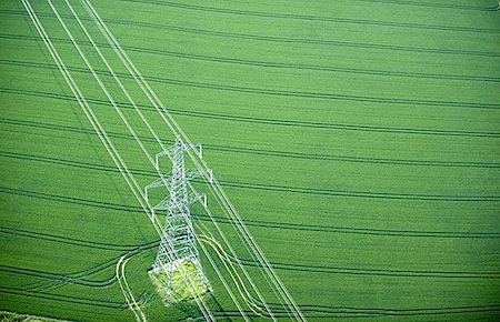 pylon-field_785615i.jpg